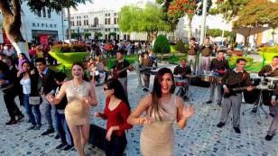 Amaya Hermanos lanzó su nueva canción 'Mix Colocho'