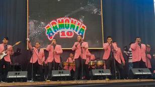 Armonía 10 publicó una foto inédita de sus integrantes junto a Percy Chapoñay