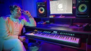 Bryan Arámbulo prepara producción con artistas nacionales e internacionales