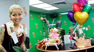 Así celebró Chris Alegría su cumpleaños en la cabina de Radio Nueva Q.