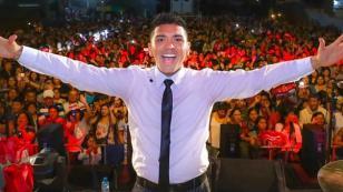 Christian Yaipén se toma selfi con fans y el resultado no es lo que esperaban
