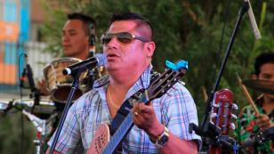 Clavito presentó su nueva canción 'Mentiras'