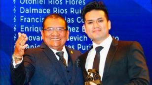 Deyvis Orosco recibió un premio APDAYC