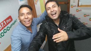 ¡Edwin Sierra y Oscar del Rio se vacilan con chistes saludos en 'Qumbias y Risas! [VIDEO]