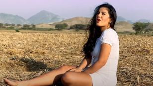 Estrella Torres dedica una canción a los papitos en el cielo