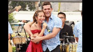 Gran Orquesta Internacional puso a bailar a Chris Alegría y Edwin Sierra en 'La Caravana de las Estrellas'