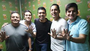 ¡Grupo5 estuvo en cabina de Radio Nueva Q! (VIDEO)