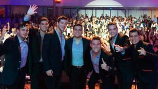 Mario Irivarren cantó 'Tu falta de querer', de Orquesta Candela, y sorprendió a fans