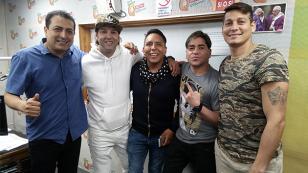 ¡Mira el reencuentro de Skándalo en 'Qumbias y Risas'! (VIDEO)
