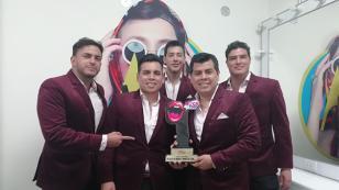 Orquesta Candela recibió premio por 'Tu falta de querer' (VIDEO)