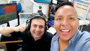 ¡Os 'El de la Voz' enamoró a sus oyentes en 'Qumbias y Risas'! (VIDEO)