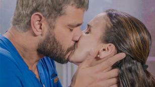 ¡Percy no podrá contener más su amor y le dará un beso apasionado a Elsa en la telenovela 'Mi Esperanza'!
