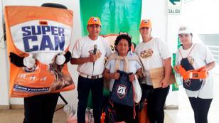 ¡SuperCan y Nueva Q regalaron en diversos mercados de Lima!